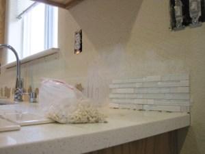 Salpicadero de ceramica de subterraneo y mosaicos para la cocina