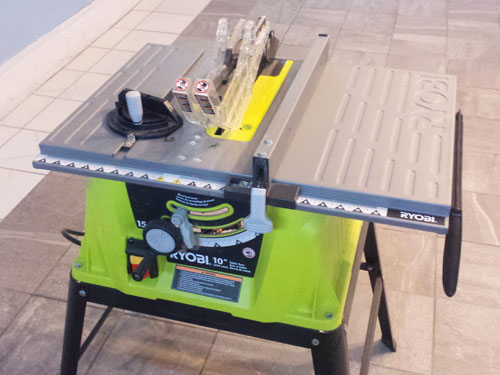 Ryobi 15 AMP 10-inch table saw with steel stand