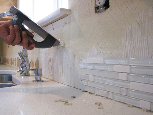 Installing A Glass Mosaic And Subway Tile Kitchen Backsplash