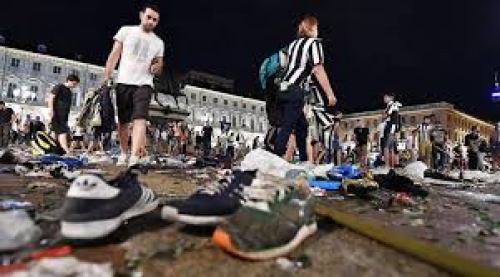 Almost 400 Juventus Fans Were Injured In Turin Bomb Scare 7