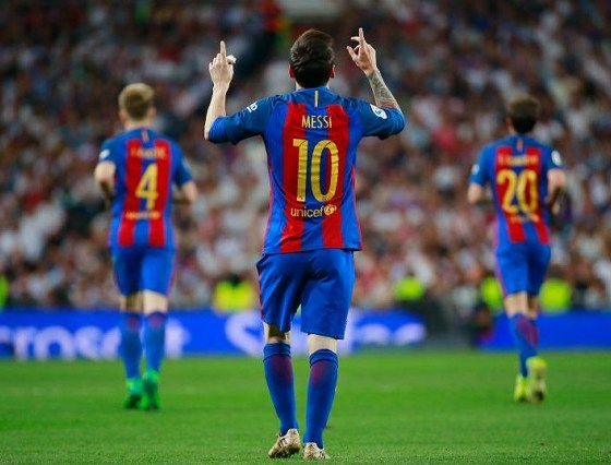 The Touching Story Behind Lionel Messi's 5 Most Iconic Goal Celebrations 12