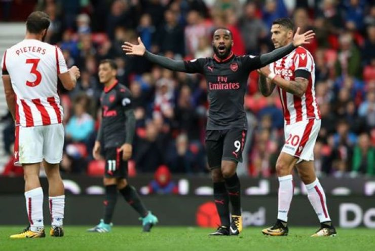 Arsenal Heap More Misery On Koeman And Gave Wenger A Perfect 68th Birthday Gift 9