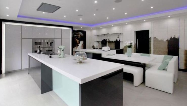 Check Out The Luxurious And Beautiful Interior Of Zlatan Ibrahimovic's Home in Manchester 14