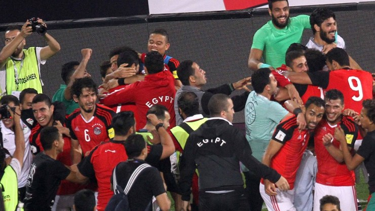10 Unforgettable Football Moments In 2017 25
