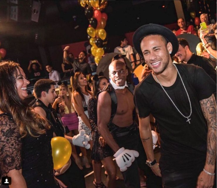 Neymar's Anomaly - The Contradictory Features Of A Footballer Who Wants To Dominate 4