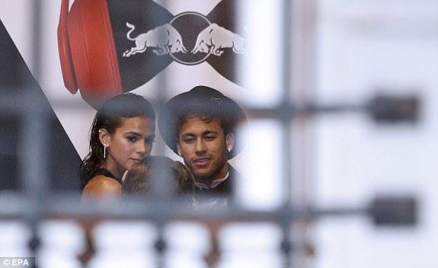Glitzy Reception As Stars Turn Out To Celebrate Neymar's 26th Birthday 16