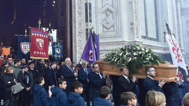 Davide Astori Funeral: Thousands Of Fans Pay Tribute 8