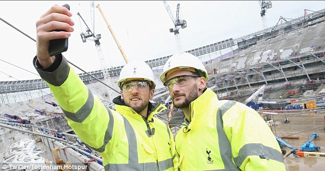 Kane, Lloris Were The First To Experience Spur's 62,000-Seater Arena 9