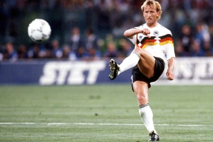 Top 10 Left-backs Who Have Graced The Game 27