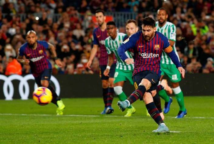 Lionel Messi, And His Passionate Quest To Dethrone The King Of Goals 13