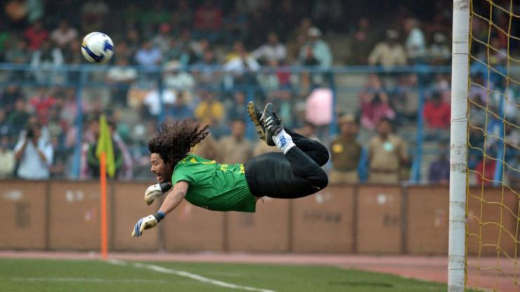 Top 10 Goalkeepers With The Most Goal In Football History 15