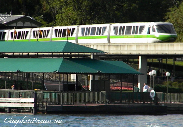 Disney monorail is free to rde