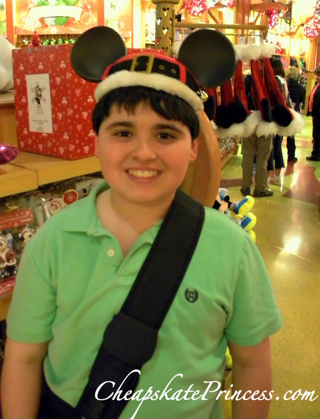 free photos with Disney World hats