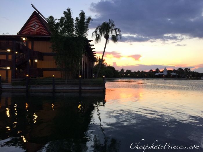 polynesian-resort-at-disney-world