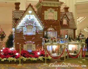 Gingerbread house at Disney World, gingerbread, holiday gingerbread