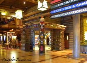 Wilderness lodge gift shop, why to shop at Disney's Wilderness Lodge, shopping at Disney, Disney totem pole,