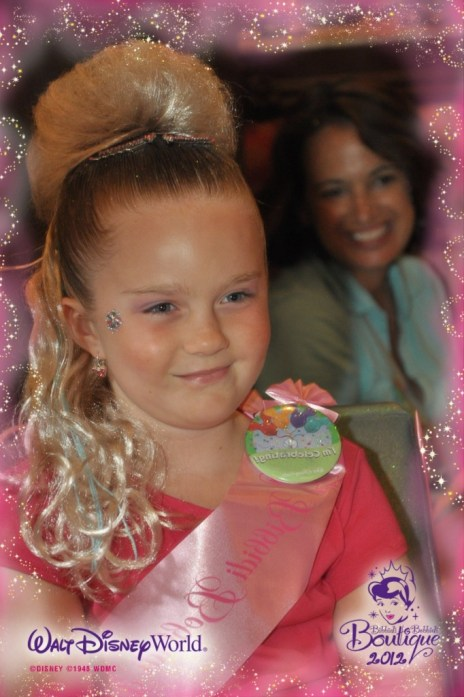 My Dreams of Disney's Princess Madelyne-Lois smiles pretty for the PhotoPass photographer