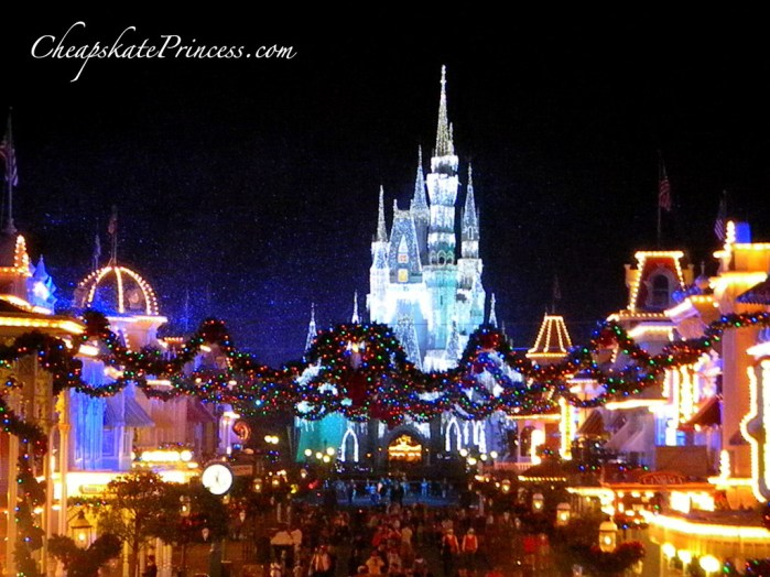 snow on Main Street USA, snow at Disney, Cinderella Castle at Christmas, Disney Christmas decorations, best web sites to plan a vacation