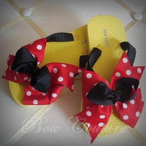 do it yourself Disney crafts, make Disney inspired shoes, cute Minnie Mouse shoes