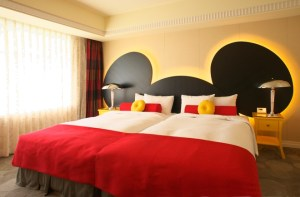 decorate a Mickey Mouse room, Mickey Mouse bed