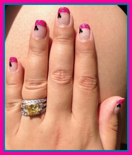 Minnie Mouse French manicure idea
