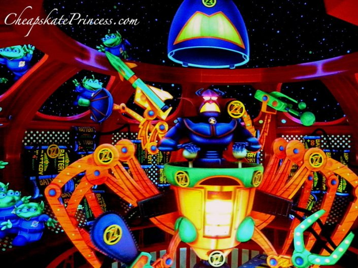 Tomorrowland Buzz light year ride