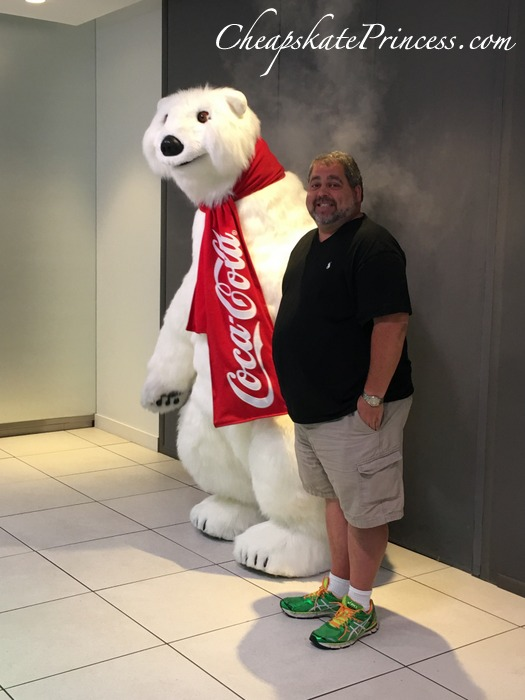 pictures-with-coke-bear-at-disney-springs