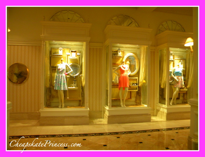 shopping-lilly-pulitzer-at-grand-floridian