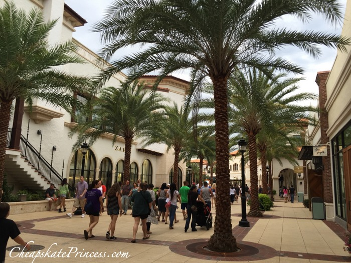 shopping-at-disney-springs