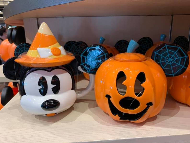 Mickey Mouse pumpkins display