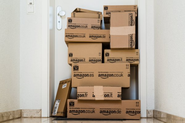 5 Genius Ways To Get Free Stuff From Amazon