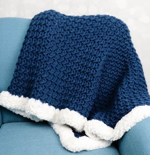 BLUE HEART BLANKET WITH FAUX FUR EDGE