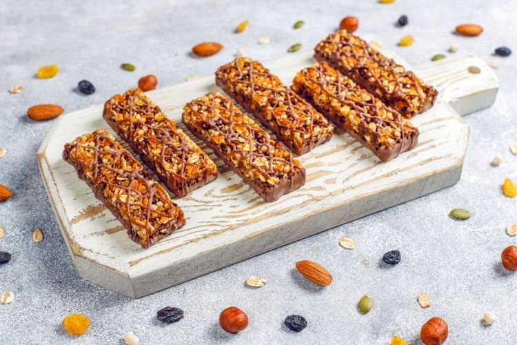 unhealthy food advertised as healthy protein bar