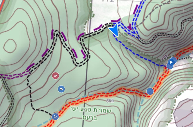 סימון שבילים של מסלול יער ברעם ונחל צבעון