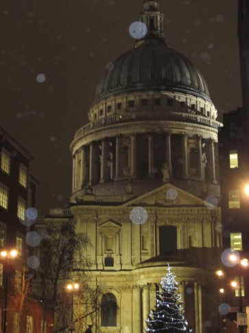 Christmas tree in front of St. Paul's Cathedral - London, England