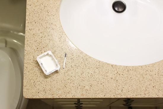does homax porcelain chip fix work