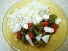 verdure miste cotte in padella, scaglie di ricotta salata e riso in bianco