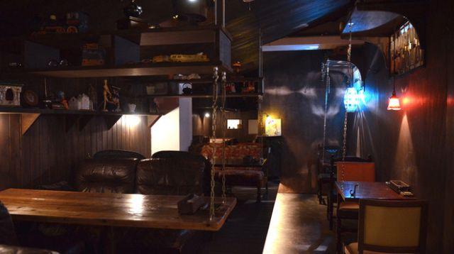 渋谷の屋根裏カフェ「 attic room(アティックルーム)」が気になる