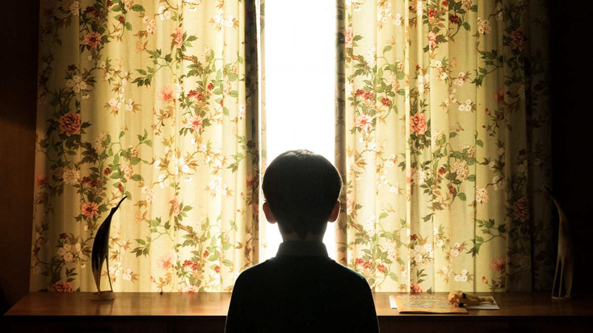 嬰魂不散:單親媽媽內心的巨大無解空洞┃影評 - 雀雀看電影