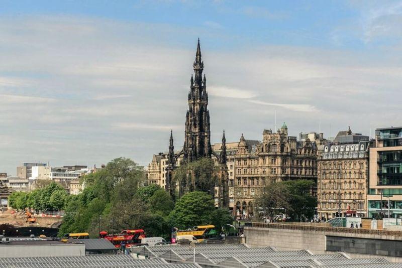 Scott Monument in Edinburgh Itinerary