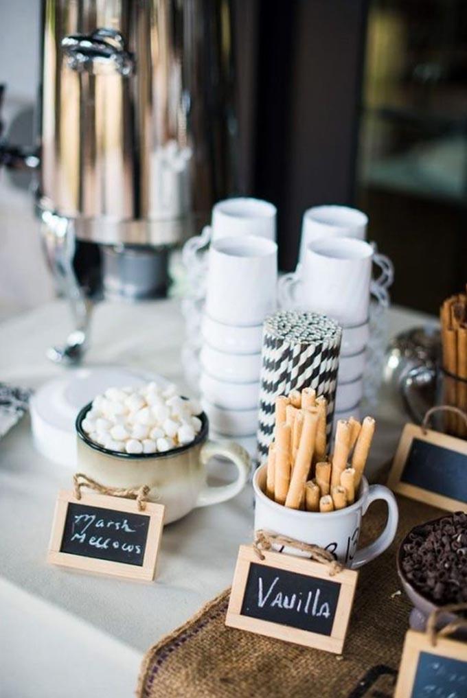 Mesa de café casamento no inverno Cheers
