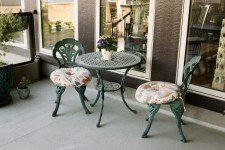 Metal coffee table and chairs