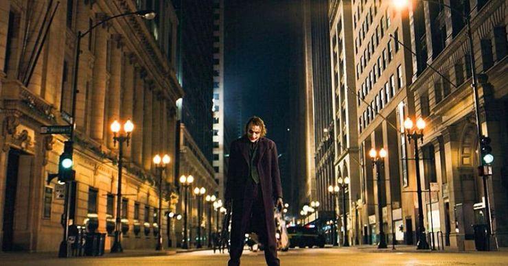 Gotham City: del realismo descarnado al horror gótico, todas las formas icónicas que ha adoptado la casa Batman en el cine y la televisión.