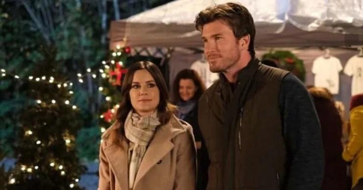 'Forever Christmas': Conoce a Chelsea Hobbs, Christopher Russell y el resto del elenco de la película Lifetime que te hace sentir bien