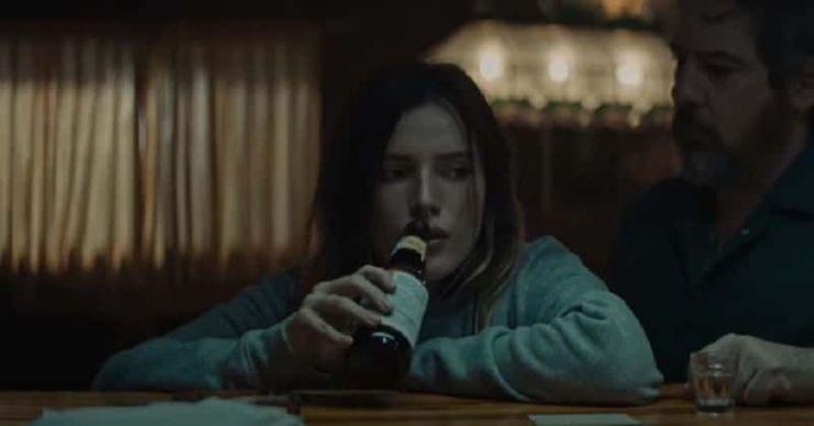 Revisión de 'Girl': la actuación cruda de Bella Thorne y el amenazador Mickey Rourke hacen del thriller vengativo un placer de ver