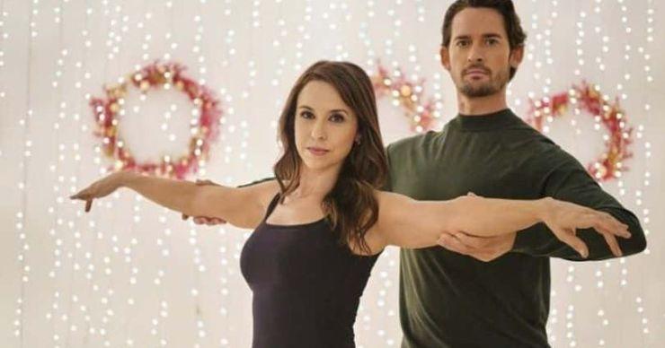 'Christmas Waltz': Conoce a Lacey Chabert y Will Kemp, el elenco de la película navideña de Hallmark