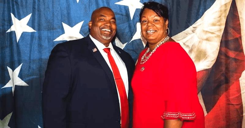 ¿Quién es la esposa de Mark Robinson?  N Carolina Lt Guv llama homosexualidad