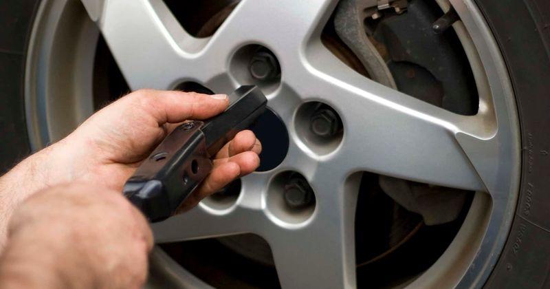 ¿Qué es el Desafío Lug Nut?  Internet advierte a los propietarios de automóviles sobre la peligrosa tendencia TikTok