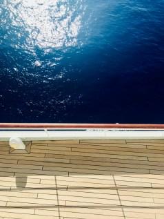 Blick auf den tiefblauen Indischen Ozean