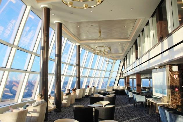 Großzügige Fensterfronten bieten tolle Panoramaausichten